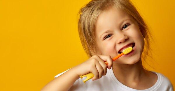 Céčko a Déčko: ty nejdůležitější vitamíny na zuby pro děti